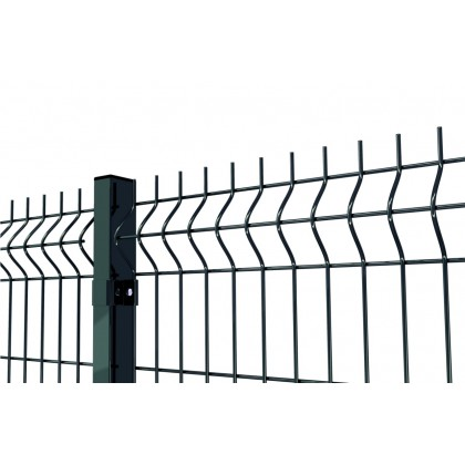 Gruby i wysoki panel ogrodzeniowy. Panel fi 4. Ogrodzenie panelowe zielone. RAL 6005.